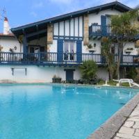 Maison 250m² T2 avec piscine à Bidart